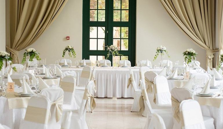 Как рассадить гостей на свадьбе