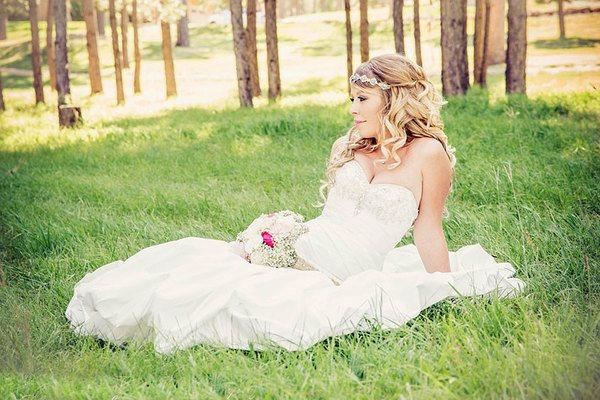 Оригинальные свадебные прически
