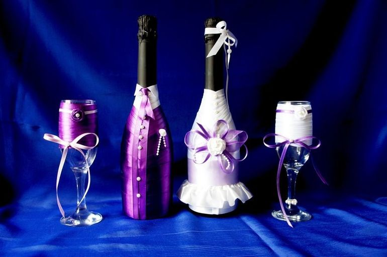 Шампанское, украшенное лентами