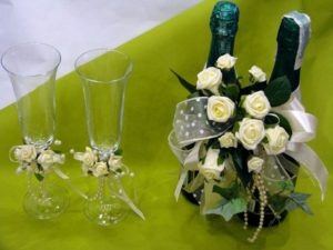 Живые цветы на шампанском