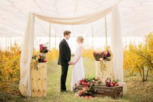 Свадебная арка в стиле рустик